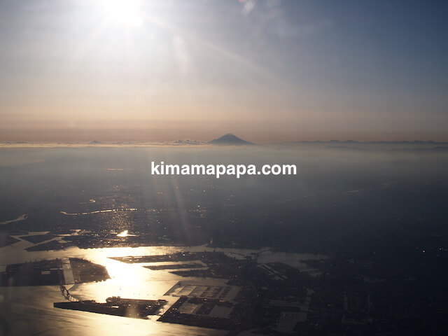 東京湾上空から見た富士山
