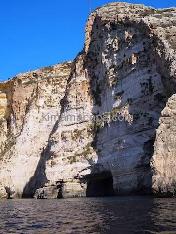 ブルーグロットの岩山