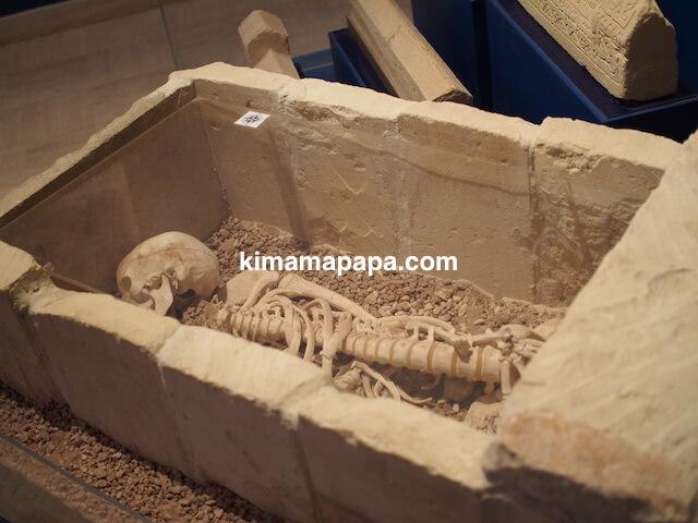 ローマ古美術館、棺