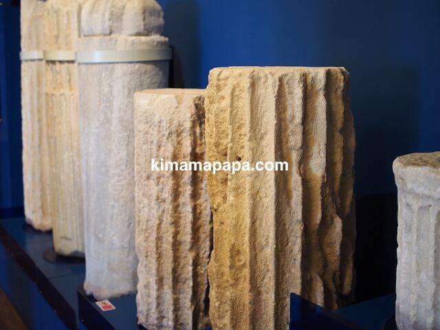 ローマ古美術館、柱