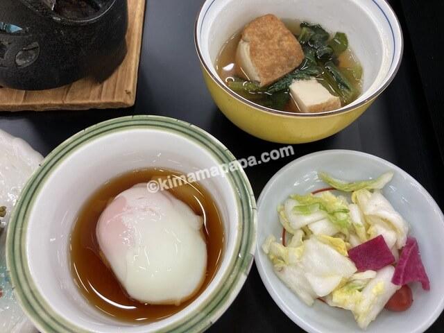 芦原グランドホテル、朝食の小鉢