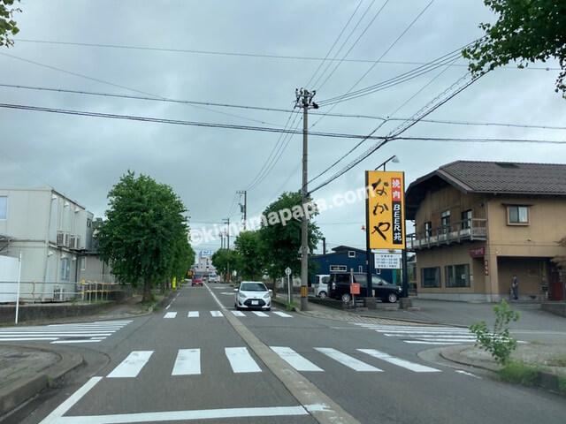 福井県、JR芦原温泉駅東側の通り