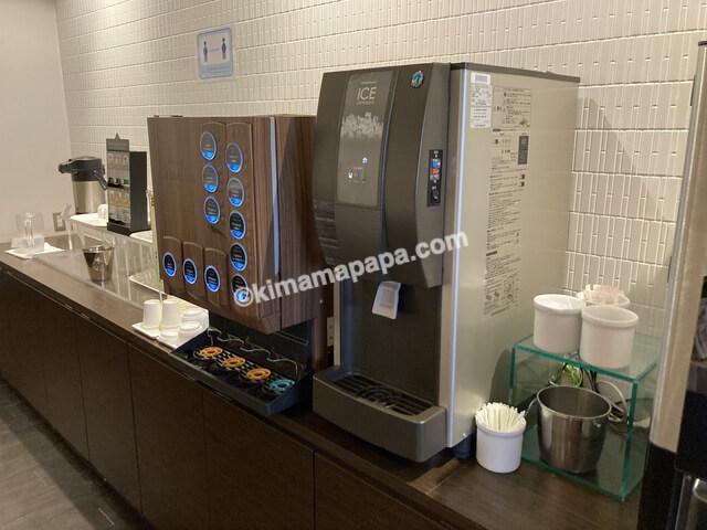 ホテルフジタ、朝食ビュッフェのドリンクサーバー