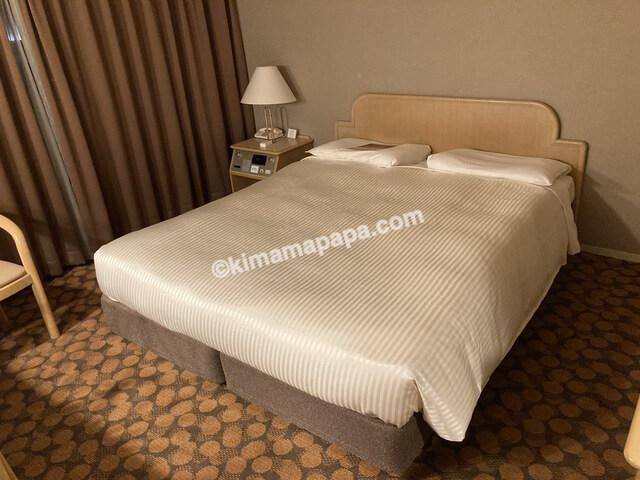 ホテルフジタ、スタンダードルームのベッド