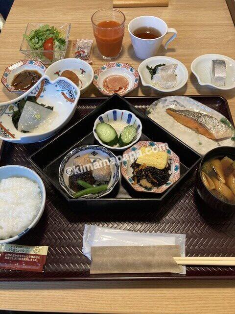 福井市、マンテンホテルの和朝食