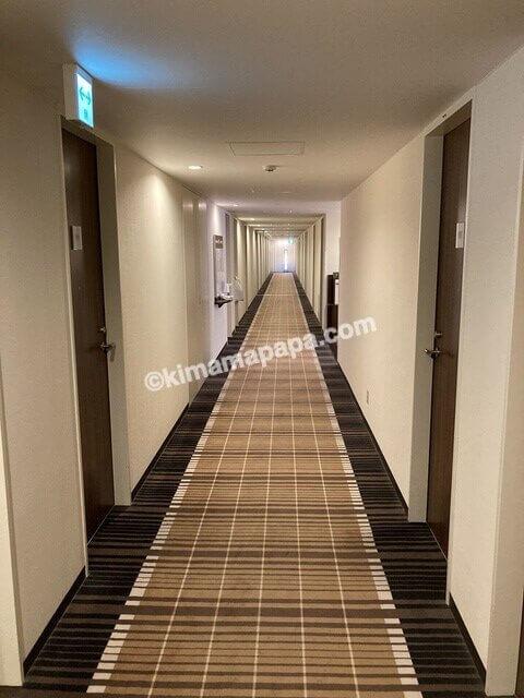 福井市、マンテンホテルの客室廊下