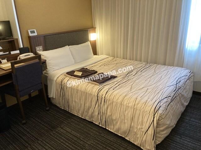 マンテンホテル、ダブルルームのベッド