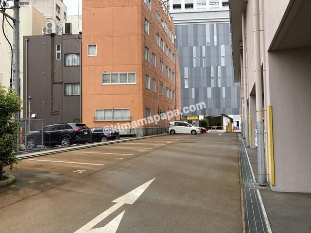 福井市、マンテンホテルの駐車場