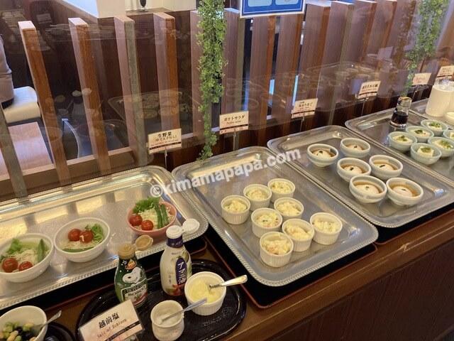ホテルリバージュアケボノ、朝食の小鉢