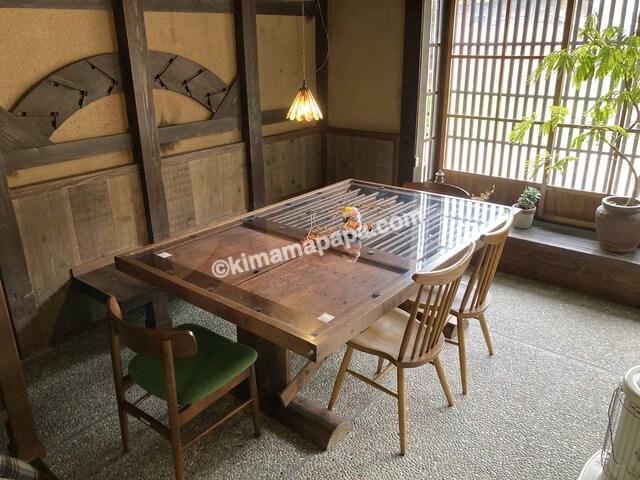 今庄宿、てまりのテーブル席