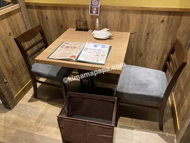 福井市西武福井店、バンサンのテーブル席