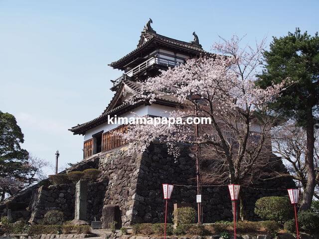 桜の季節、丸岡城