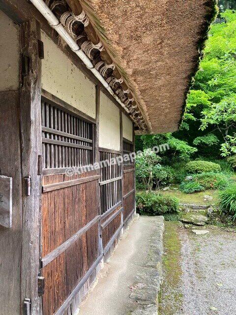 福井県丸岡町、千古の家の屋根
