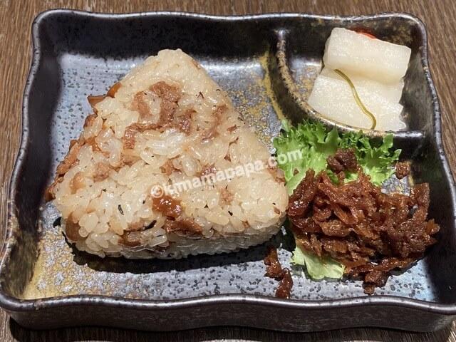 福井県丸岡町の谷口屋、まぜご飯のおにぎり