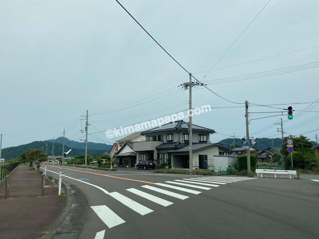 美浜町、早瀬浦醸造所への道