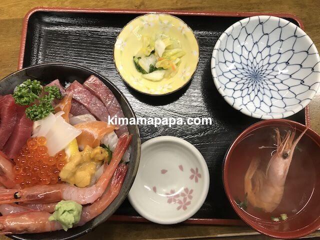 福井県三国町、田島の海鮮丼