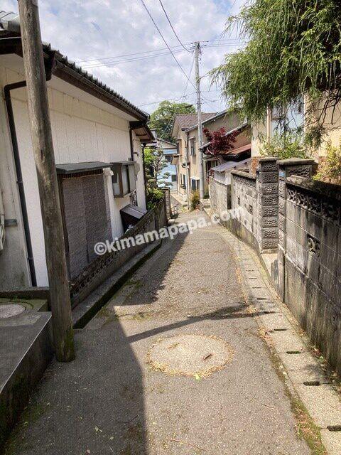 三国神社、桜谷公園からの下り道