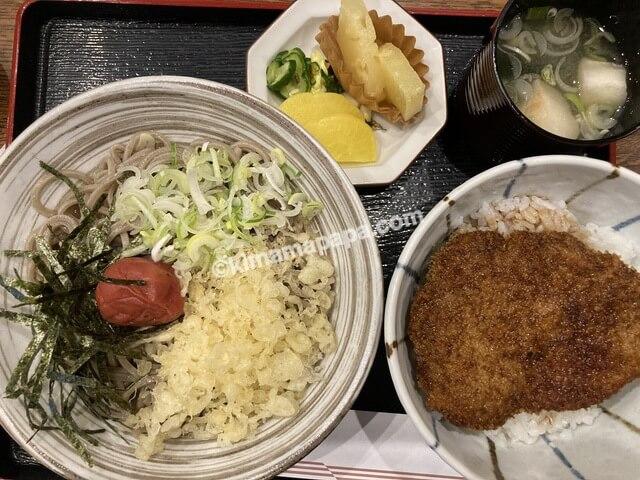 福井県三国町、どうぐやの梅おろしそばとミニソースカツ丼セット