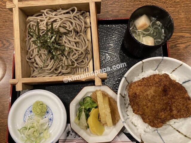 福井県三国町、どうぐやのざるそばとミニソースカツ丼セット