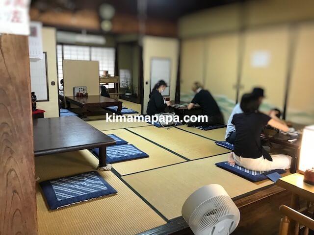 福井県三国町、そば処盛安の座敷