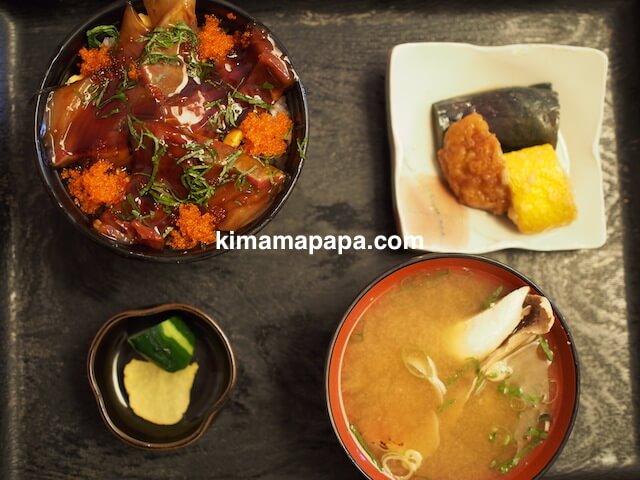 福井県三国町、富士寿司の漬け丼ランチ