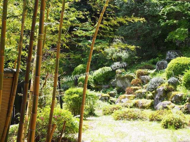 大野市、寿楽山の庭園