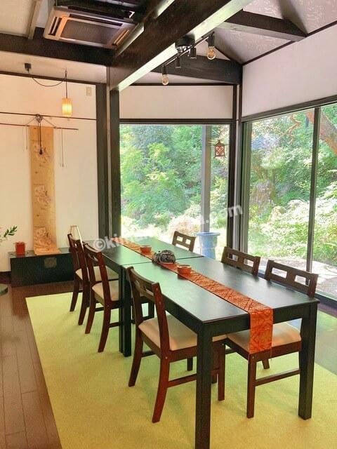 大野市、寿楽山のテーブル席