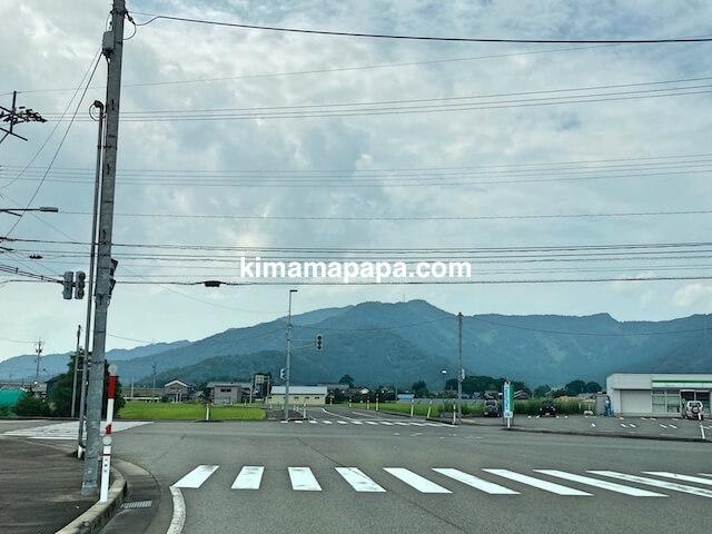 福井県大野市、大野インター近くのファミリーマート