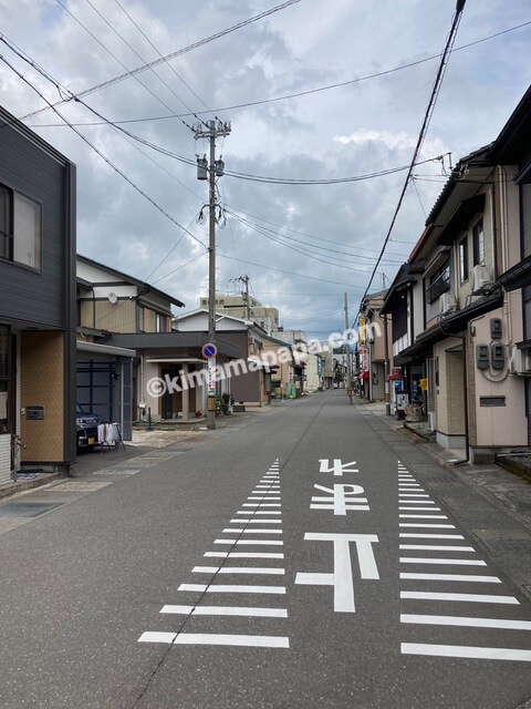 大野市、内田製麺所への道