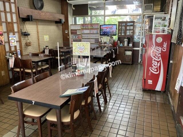 福井県鯖江市、味見屋の店内
