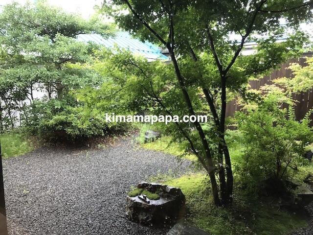 福井市、かくれ庵の中庭
