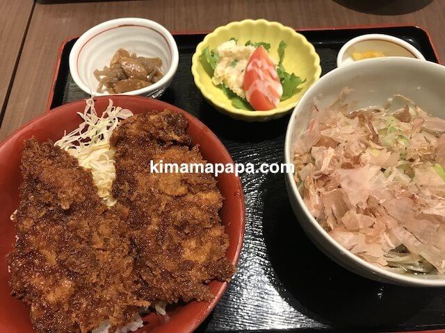 越前そば、見吉屋のカツ丼定食(オススメ定食A)