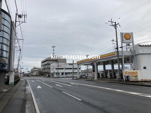 福井市、きょうやへの道