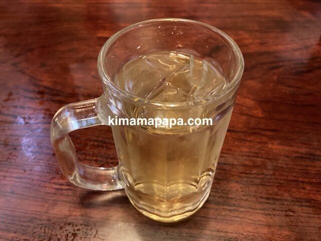 福井市、浜寿司の冷たいお茶