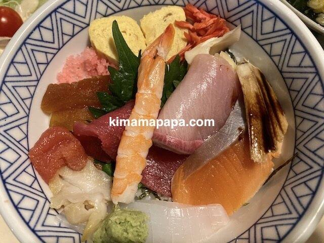 福井市、仁平寿司の海鮮丼