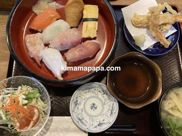 福井市、新海寿司のにぎり寿司ランチ