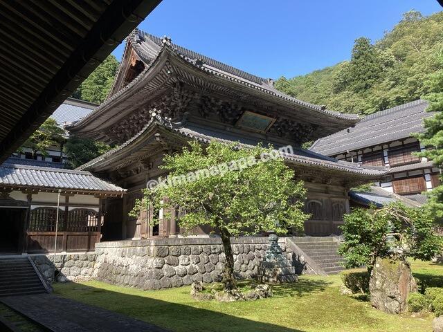 福井県永平寺、僧堂から見た仏殿