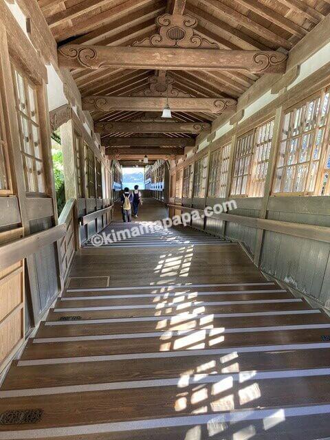 福井県永平寺、法堂から仏殿へ下る階段