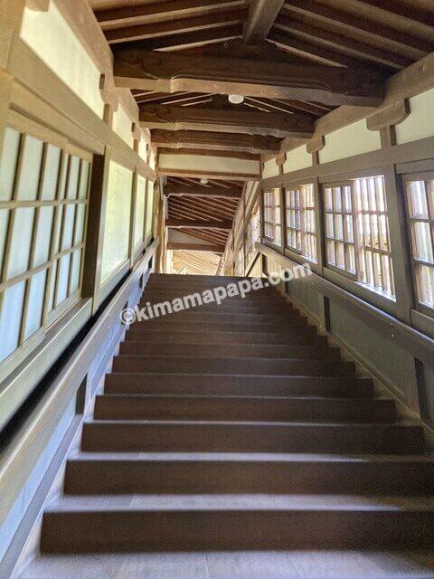福井県永平寺、傘松閣から僧堂への階段
