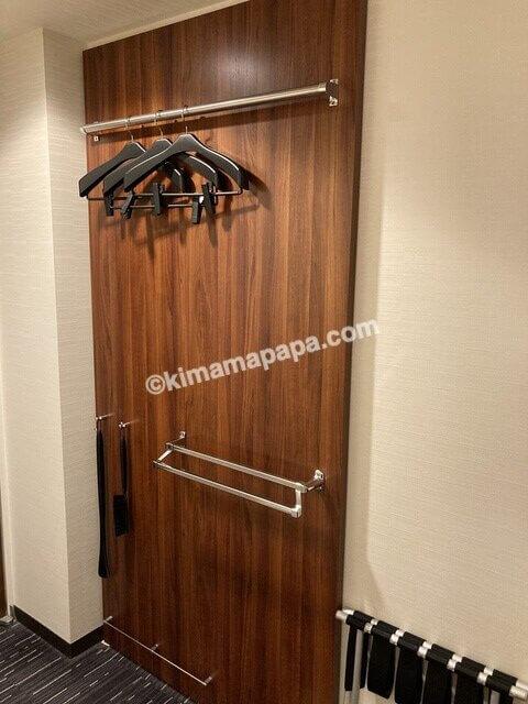 敦賀マンテンホテル、シングルルームのハンガー