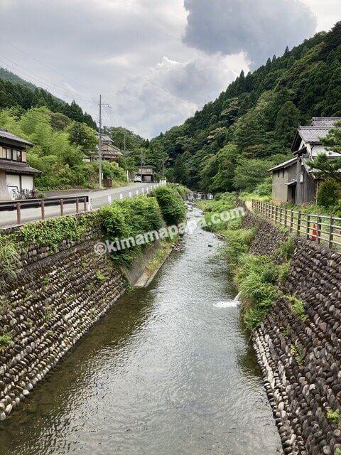 若狭町、熊川宿の河内川