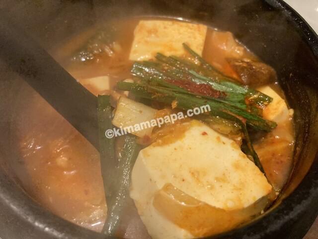セナラ、豆腐とキムチのチゲ