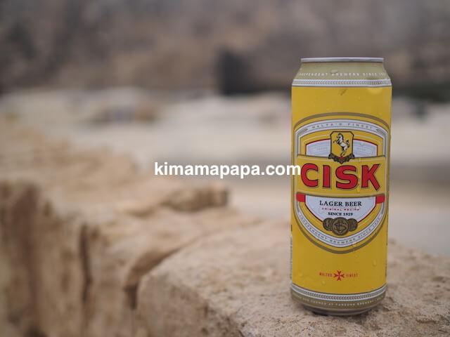 ゴゾ島、アズールウインドーでチスクビール