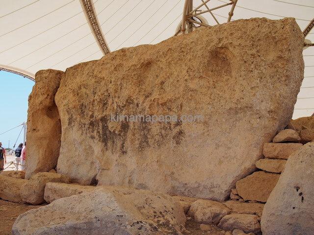 ハジャール・イム神殿の20tの石