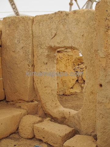 ハジャール・イム神殿の通路