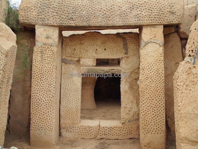 ムナイドラ神殿の有名な門