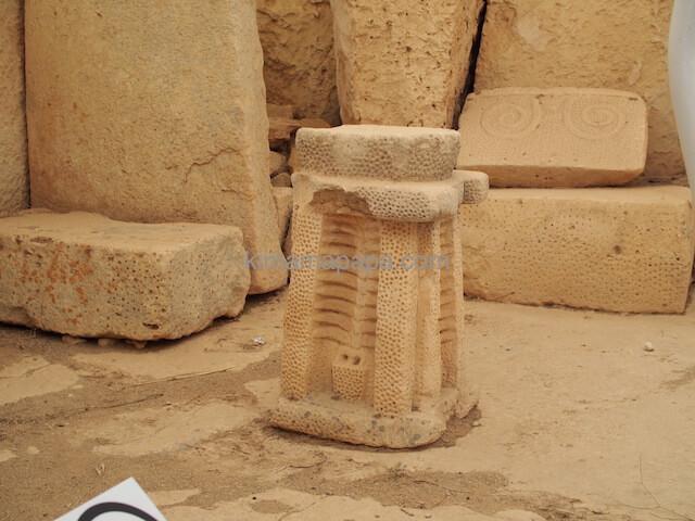 ハジャール・イム神殿の石