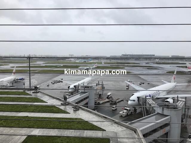 羽田第1ターミナル、展望デッキから見た飛行機