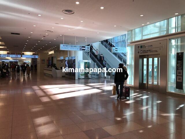 羽田第3ターミナル、無料連絡バスの通路