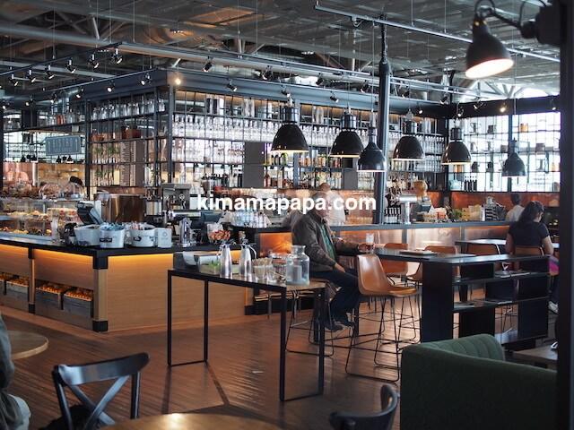 ヘルシンキ、ヴァンター空港のカフェ&バー